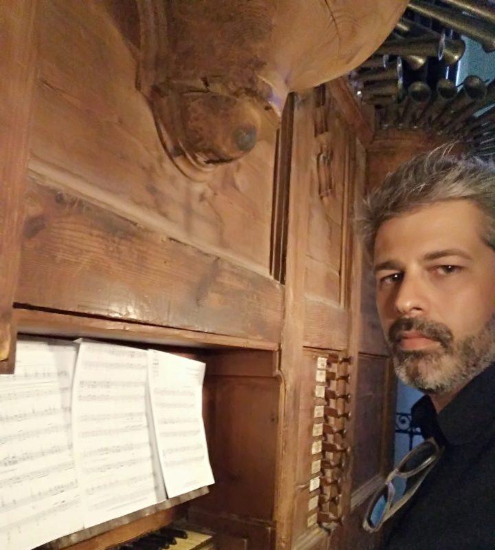 cropped-tocando-organo-siglo-xviii-iglesia-s-juan-bautista-de-marchena.jpg