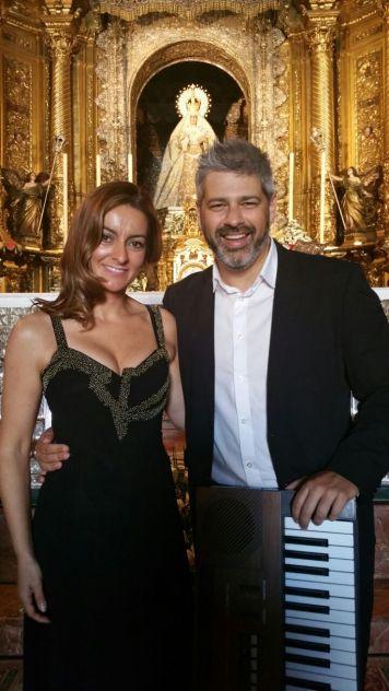 junto-a-la-soprano-fatima-romero-en-la-basilica-de-la-macarena